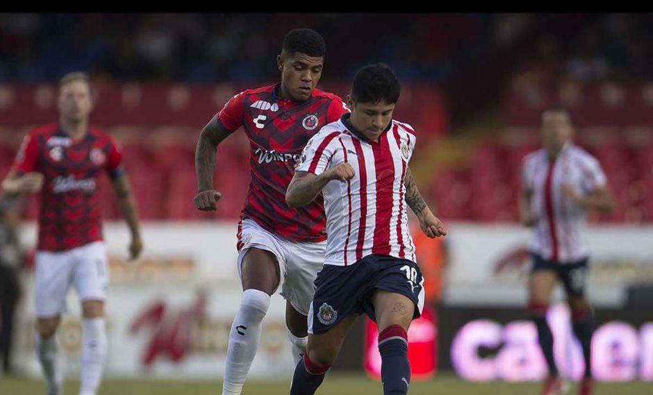 El equipo de Wilder Cartagena y Pedro Gallese no pudieron ante el Chivas. (Mexsport)
