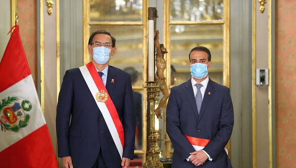 El ministro de Trabajo, Martín Ruggiero, junto al presidente Martín Vizcarra. (Foto: PCM)