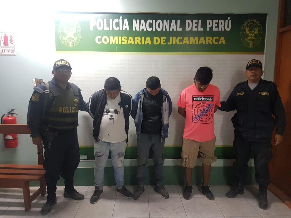 Policía capturó a tres sujetos que asaltaron grifo a mano armada en SJL. (Foto: PNP)
