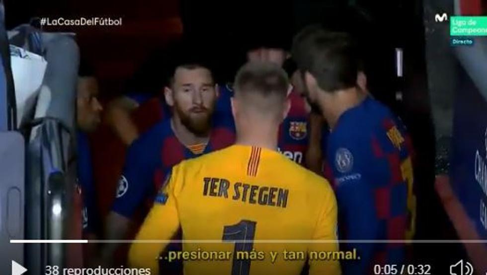 La imagen de los jugadores en el túnel de los vestuarios previo al inicio del segundo tiempo. (Captura: La Casa del Fútbol)