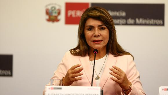 La ministra de Salud, Elizabeth Hinostroza, pidió a la ciudadanía no alarmarse ante casos de Coronavirus. (Foto: GEC)