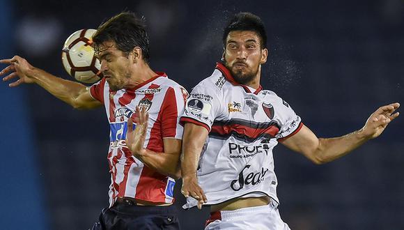 Colón recibe a Junior en Santa Fe por el boleto a cuartos de final de la Copa Sudamericana. (Foto: AFP)