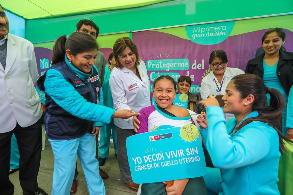 Más de cien mil niñas de 5to grado de primaria ya recibieron la segunda dosis contra el Virus del Papiloma Humano. (Foto: Minsa)