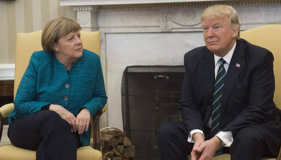 """A pesar de tener ciertas discrepancias con el mandatario, Angela Merkel apeló a la """"libertad de expresión"""" al verlo vetado en las redes sociales. (Foto: AFP)"""