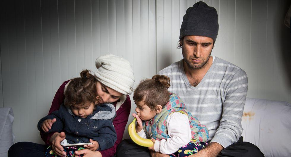 Una familia iraquí se encuentra impedida de salir de un refugio de la isla de Lesbos, lugar al que llegaron en agosto de 2016. Su objetivo es hallar un mejor lugar para rehacer su vida. (Giuseppe La Rosa/MSF).