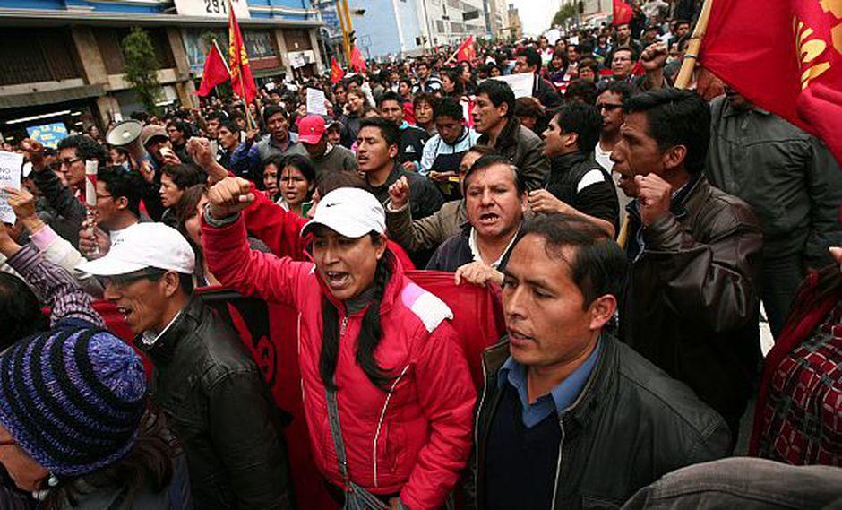 Dirigencia del Conare-Sutep insiste con sus reclamos ante la ministra Patricia Salas. (David Vexelman)
