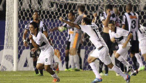 Wilson Pittoni anotó su gol de tiro libre en los descuentos. (Reuters)