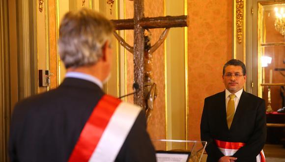 Rubén Vargas juró como ministro del Interior. (Presidencia)