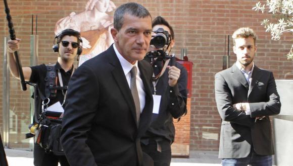 Antonio Banderas cenará con fan peruana. (EFE)
