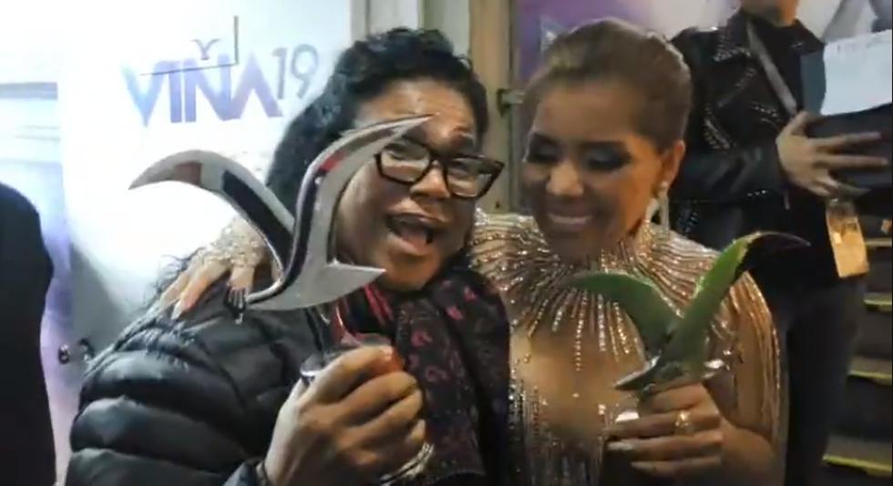 Viña del Mar: Susan Ochoa celebra junto a Eva Ayllón tras triunfar en el Festival (Foto: Captura de pantalla)