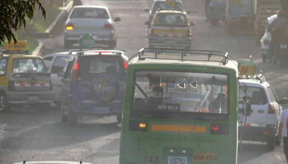 Autos usados contaminan más. (USI)