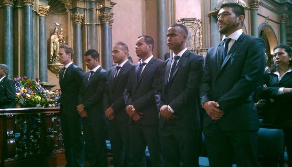 Plantel de Alianza Lima renovó su fe por el mes morado. (Difusión)