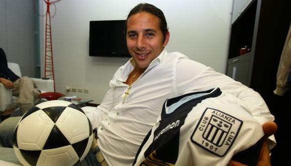 Claudio Pizarro desea culminar su carrera en Alianza Lima. (Perú21)