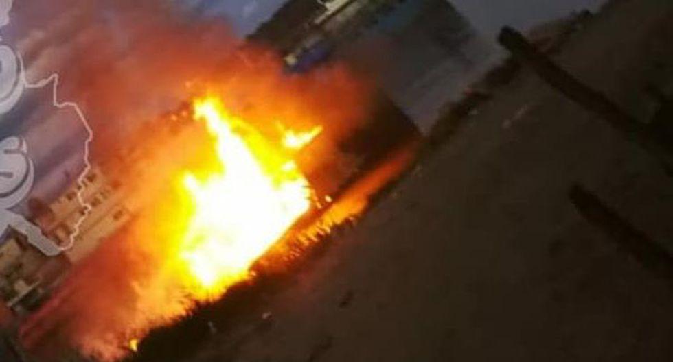 Iquitos: Embarcación que transportaba combustible se incendia en río Itaya