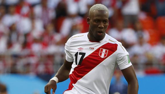 Luis Advíncula viajaría a Buenos Aires para pasar los exámenes médicos y ser presentado por Boca Juniors. (Foto: AFP)
