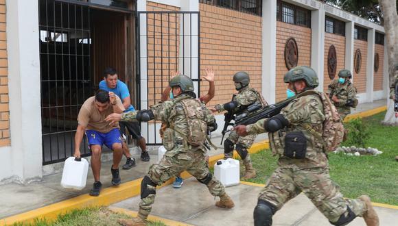 Fuerzas Armadas explican cuál es el procedimiento de intervención a ciudadanos que incumplen cuarentena. (GEC)