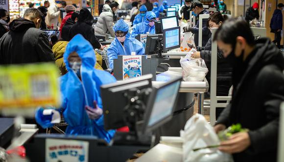 El coronavirus provoca la escasez de algunos productos en los supermercados. (Foto: AFP)