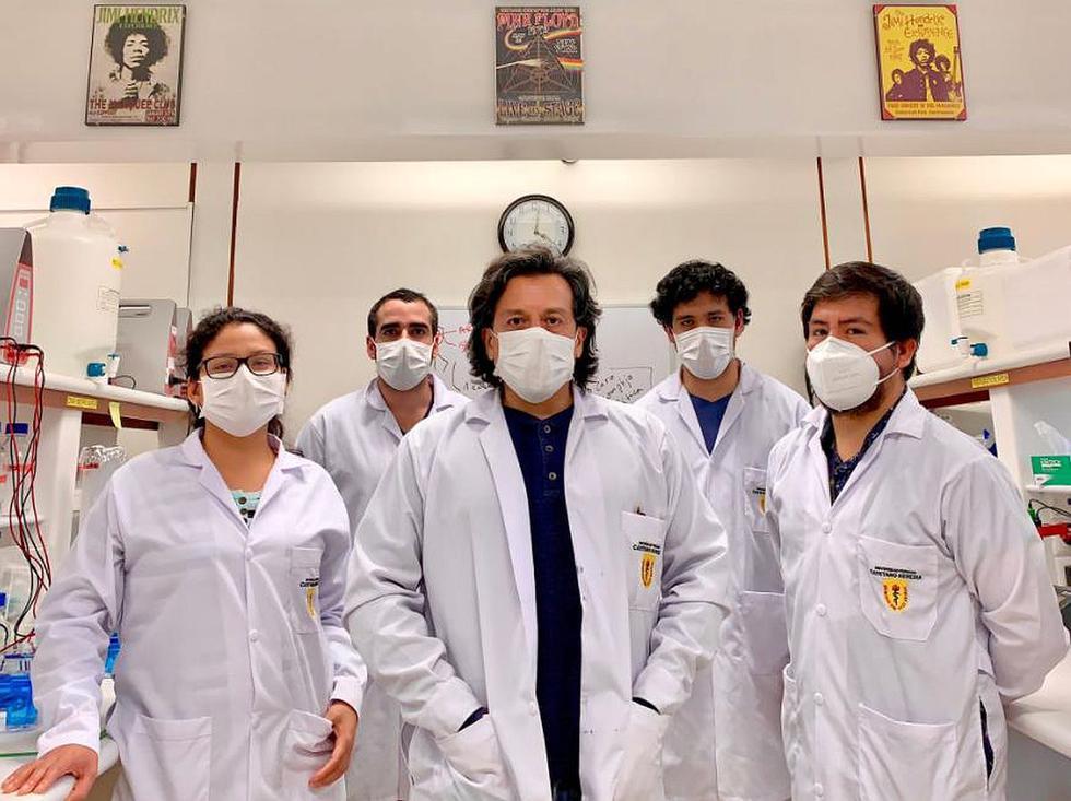 Equipo de investigadores de la UPCH liderados por el neurobiólogo Edward Málaga-Trillo trabaja en el desarrollo de una prueba molecular rápida para detectar el COVID-19. (Foto: GEC)