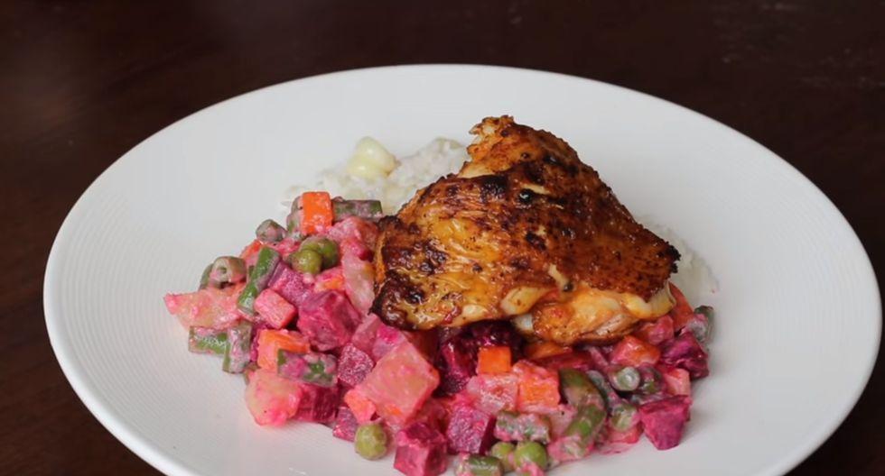 Para que te quede más sabroso, es recomendable refrigerar el pollo dos horas antes de freírlo. (Foto: Acomer.pe)