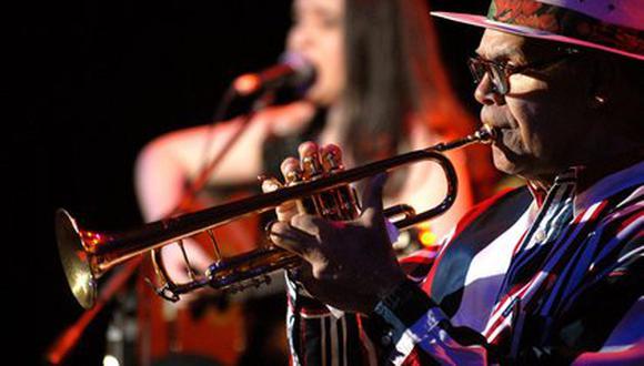 """El trompetista Víctor """"Vitín"""" Paz falleció este sábado a la edad de 89 años. (Foto: EFE)"""