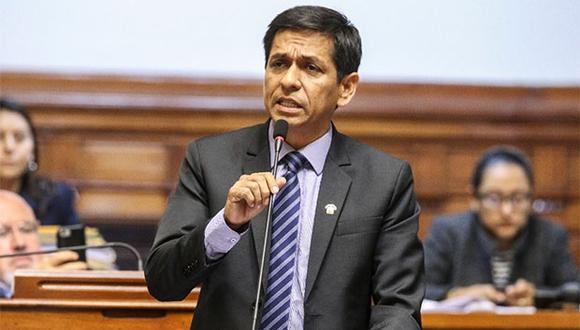 """Jorge Meléndezlamentó que el otrora jefe del Estado busque """"repetir la historia del año 1992"""", cuando le fue concedido asilo político por Colombia. (Foto: Congreso)"""