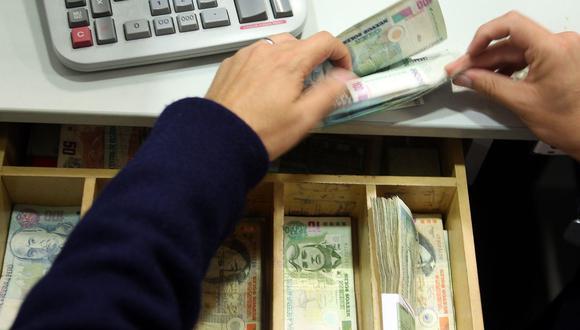 Si se cuenta con varias deudas: Pagar primero las de la tarjeta de crédito por retiro de efectivo, luego las compras a cuotas, préstamos y finalmente los créditos hipotecarios. (Foto: GEC)