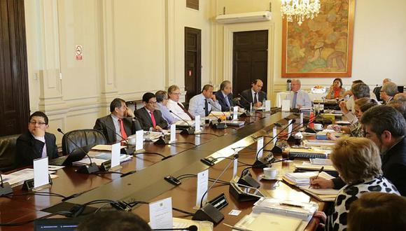 PPK y miembros del gabinete ministerial escucharon propuestas anticorrupción de Transparencia. (@pcmperu en Twitter)