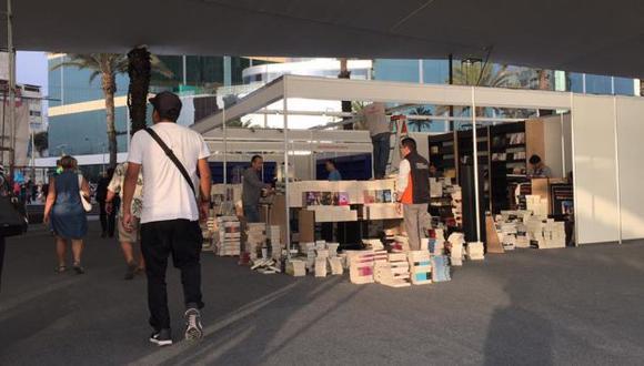 La Feria Ricardo Palma, ubicada en el Parque Salazar de Larcomar ya inició sus actividades.(Facebook Feria Ricardo Palma)