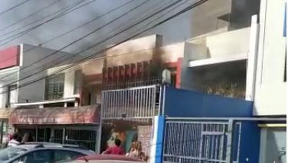Miraflores: Incendio se registra en inmueble de la av. República de Panamá