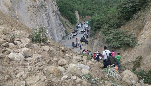 Pasajeros y transportistas se han visto perjudicados con este accidente. Así luce la zona.