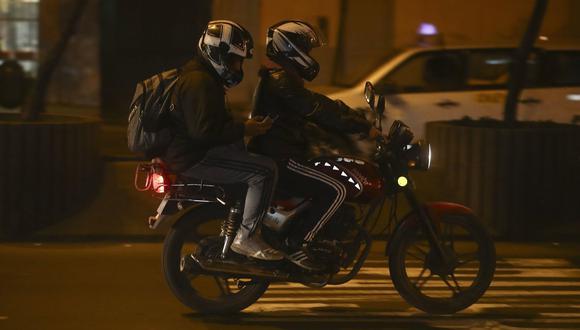 POLÉMICA. Restringirán la circulación de motos con dos o más personas si no tienen autorización (César Campos).