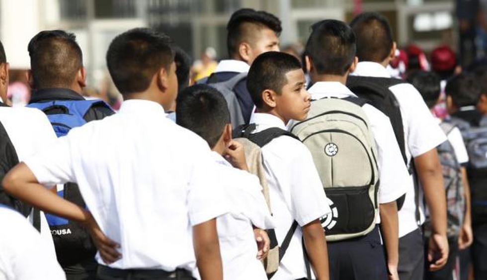 """""""En total, 6' 276 375 alumnos comenzarán sus clases en 85 456 instituciones educativas públicas, de las cuales 82 018 son de Educación Básica Regular. Ellos recibirán clases de 381 853 docentes en 54 608 locales escolares, de los cuales 52 826 son de Educación Básica"""", destacó el Minedu. (USI)"""