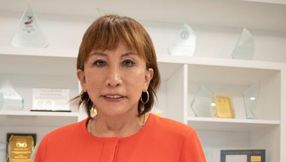 La empresaria Marina Bustamante, fundadora de Renzo Costa, fue reconocida como Empresaria del año 2020, por IPAE Asociación Empresarial.
