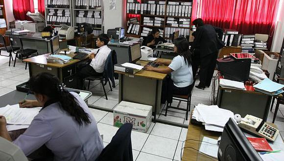 El Estado le exige al sector privado que reconozca beneficios que él mismo no cumple. (Perú21)