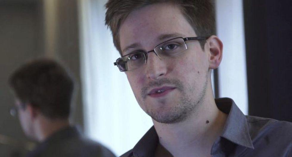 """FUENTE DE ESPIONAJE. Edward Snowden es considerado como un """"héroe"""" por Julian Assange. (EFE)"""