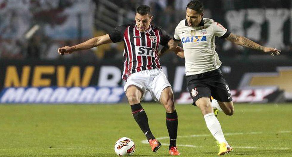 Paolo jugó un buen partido y reafirmó su condición de ídolo corinthiano. El peruano no para de conquistar títulos. (AFP)