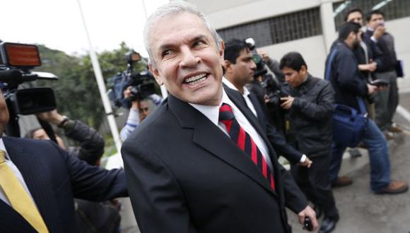 AL ATAQUE. Castañeda, como siempre, solo respondió lo que quiso y acusó de guerra sucia a rivales. (Luis Gonzales)