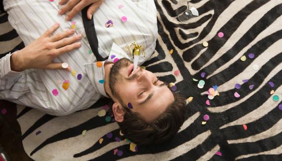 En las fiestas de Año Nuevo, las personas suelen brindar con algo de exceso. (Imagen referencial Getty Images)