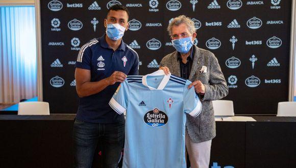 Renato Tapia, en la presentación oficial con Celta de Vigo. (Foto: Celta de Vigo)