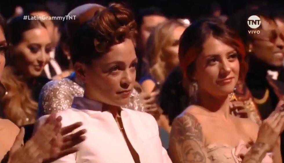 Este fue el gesto de la cantante cuando Maluma ganó su trofeo en el Grammy Latino. (Foto: Captura)