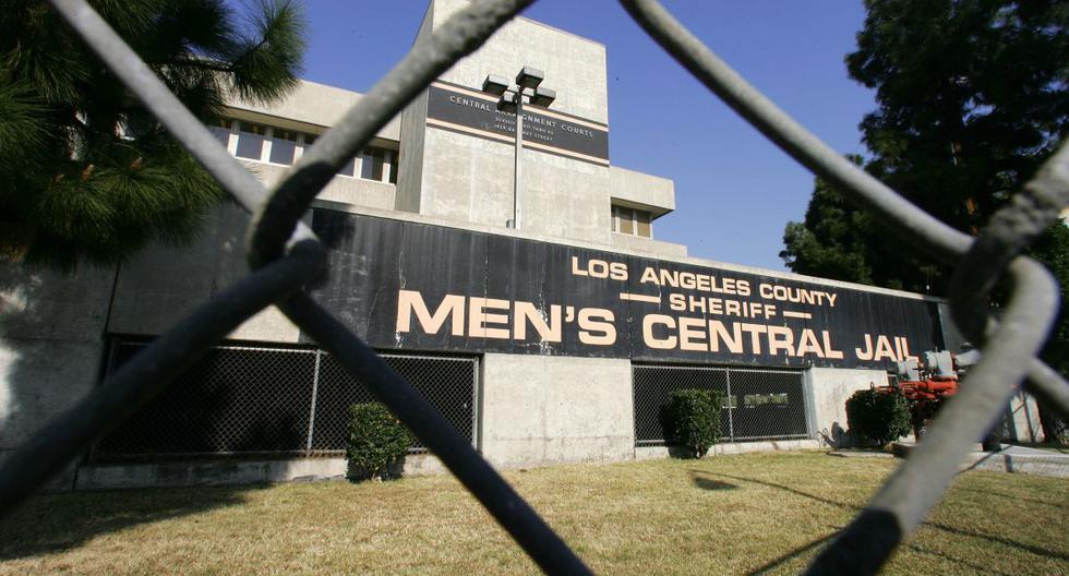Esta foto de archivo muestra la Cárcel Central de Hombres en el centro de Los Ángeles, el 10 de septiembre de 2006, que ha estado bajo encierro debido a disturbios entre los internos. - Un grupo de prisioneros de California trató de infectarse con coronavirus en un intento inútil por ganar la libertad, dijo un alto funcionario de la policía. (AFP/Robyn BECK).