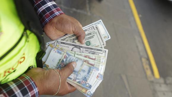 El dólar no registraba grandes cambios durante la jornada. (Foto: GEC)