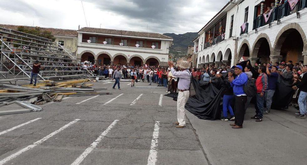 Los ayacuchanos protestaron por el retiro de las rejas. (GEC)
