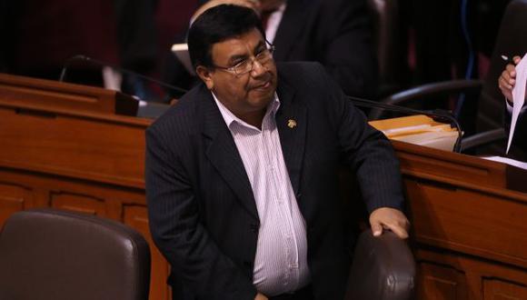 Yovera, al igual que Chacón, debe ser inhabilitado de su cargo congresal. (Luis Gonzales)