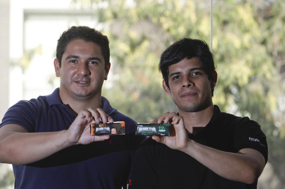 Jóvenes ingenieros, impulsados por su pasión por la investigación, elaboraron una barra energética hecha con insectos. (Piko Tamashiro/GEC)