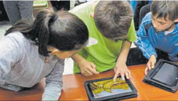 Durante la pandemia los libros electrónicos se han convertido en perfectas herramientas para generar el hábito de la lectura desde el hogar. (Foto: GEC)