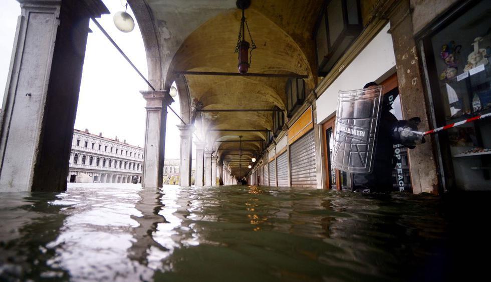 """El """"agua alta"""" no da tregua en Venecia y alcanza los 154 centímetros. (Foto: AFP)"""