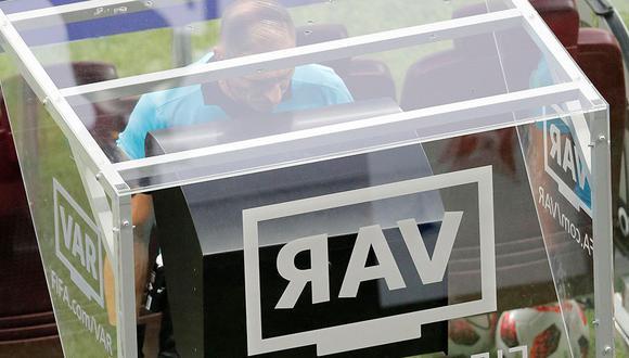 Conmebol anunció a la empresa que se encargará de implementar el VAR en la Copa Libertadores, Copa Sudamericana y VAR. (Foto: EFE)