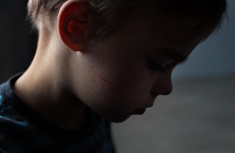 Abuelo es sentenciado a cadena perpetua por violar a su nieto desde los 2 años (Getty Images)