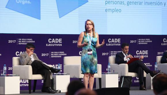 Elena Conterno se pronunció sobre el reciente caso de las conservas contaminadas. (CADE 2017)
